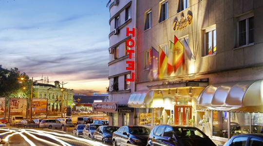 hotel-astoria-01